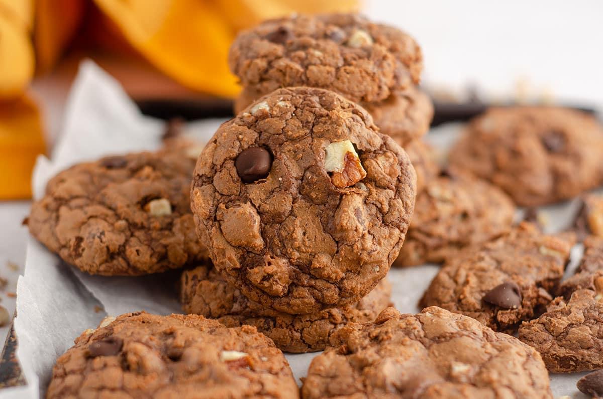 pile of brownie cookies