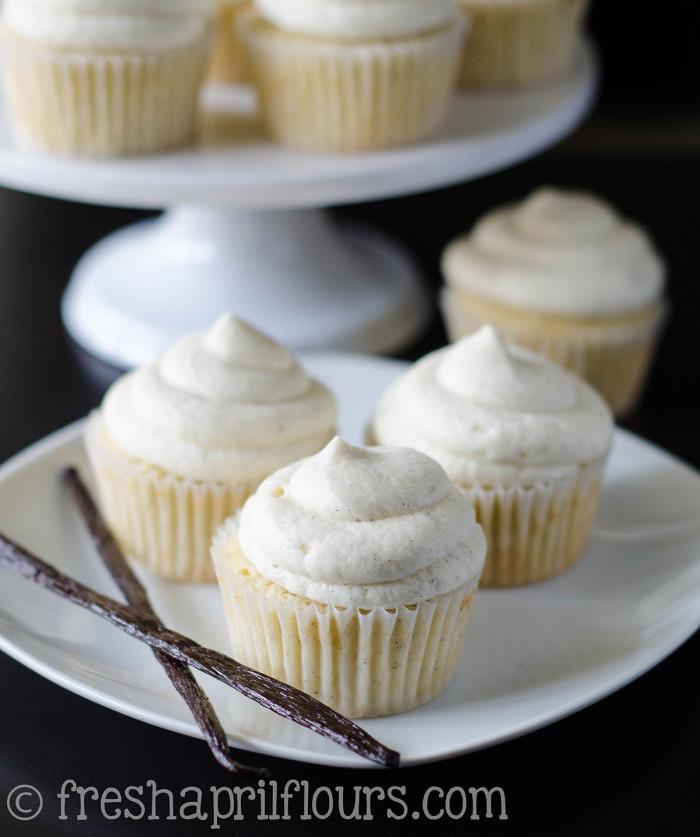 vanilla-bean-cupcakes-1