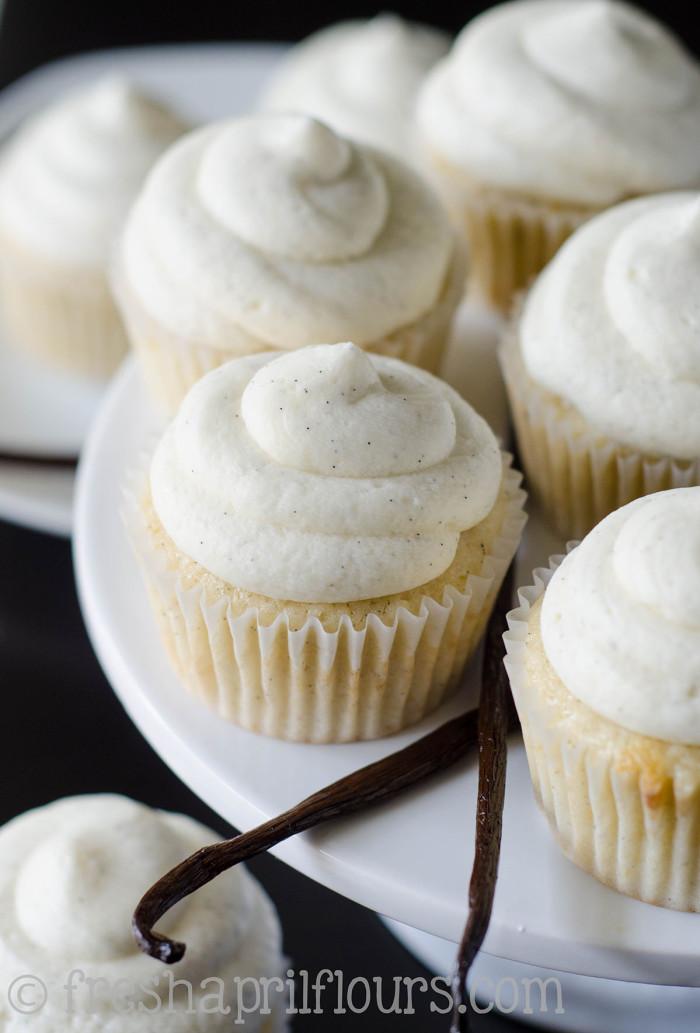 vanilla-bean-cupcakes-3