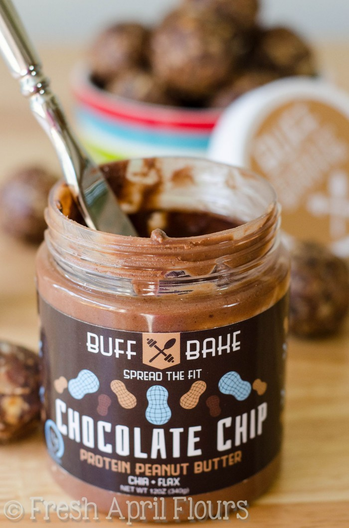 Chocolate Chip Energy Bites: Chocolate chip oatmeal bites loaded with high protein nut butter, flaxseed, and chia seeds to help fuel you on the go or aid in guilt-free snacking!