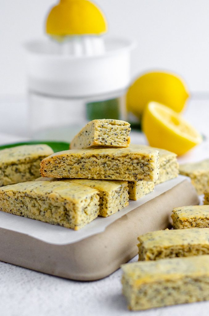 Lemon Poppy Seed Biscotti: Bright and sunny biscotti with the perfect amount of crunch on the outside and a tender, flavorful center.