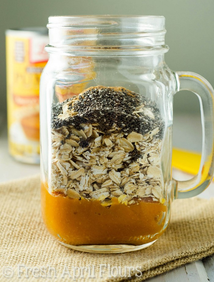Pumpkin Overnight Oats: Hearty spiced oats that don't require any cooking!