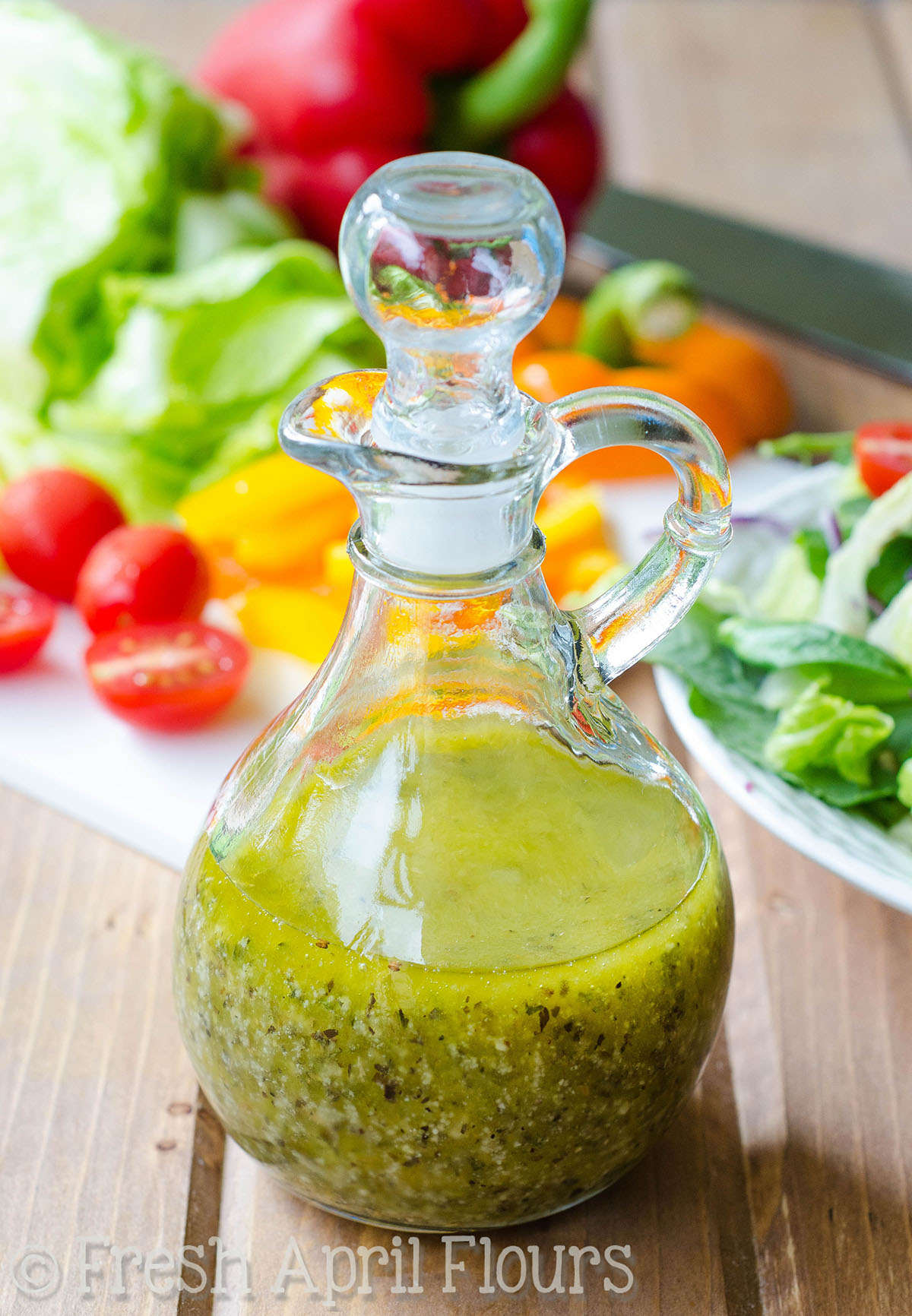 Homemade Italian Dressing: Easy homemade Italian dressing packed with flavor and lots of herbs and spices to jazz up your fresh salads and veggies.