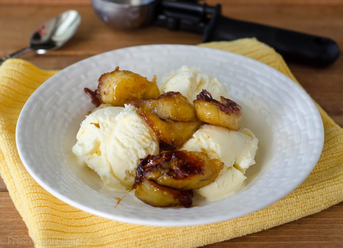 Easy Bananas Foster: A quick and easy recipe for Bananas Foster using Amaretto liqueur.