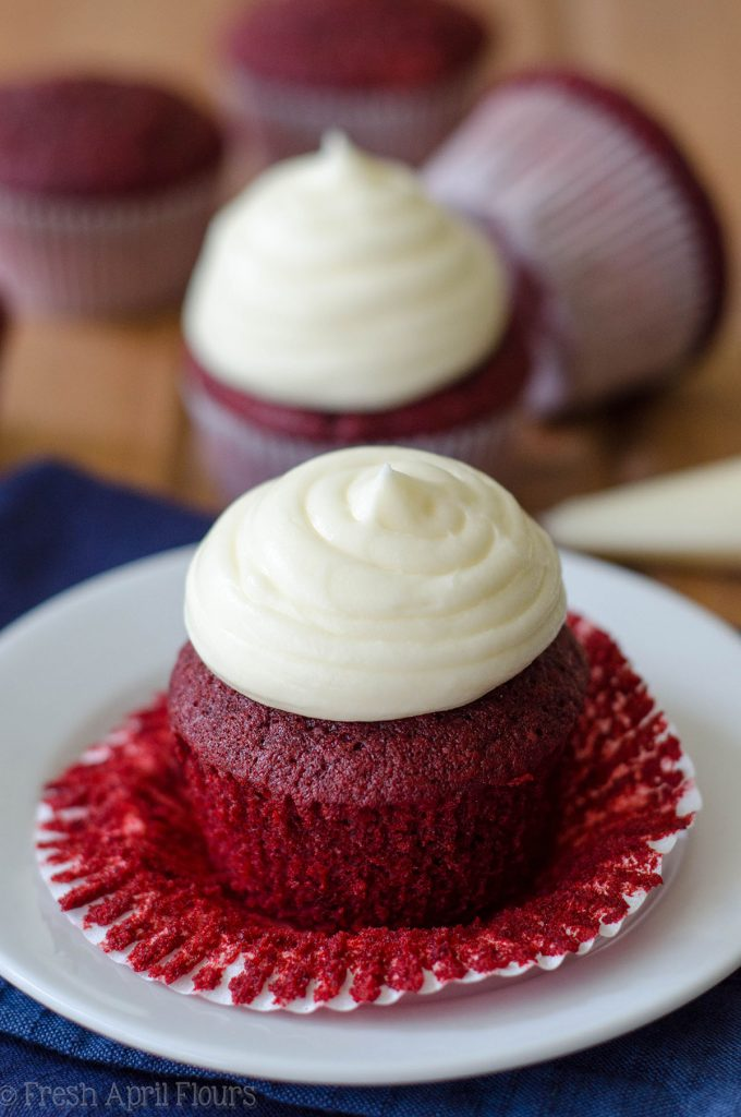 Red Velvet Cupcakes with Cream Cheese Frosting: Fluffy and tangy cupcakes topped with a sweet cream cheese frosting. A cupcake classic!