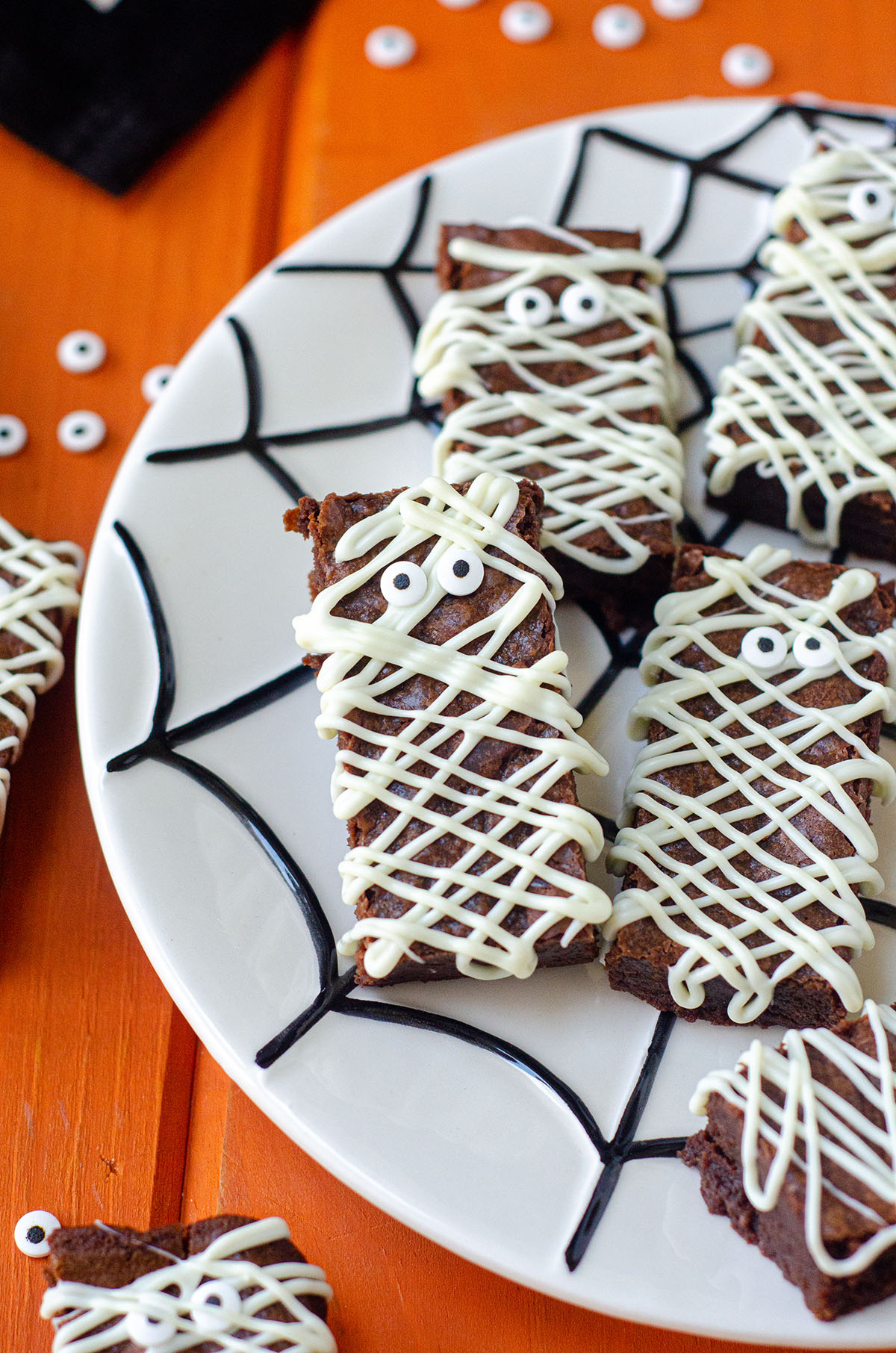 Turn ordinary from-scratch brownies into a seasonally spooky treat! With white chocolate and candy eyeballs, you'll be the most popular monster at the mash!