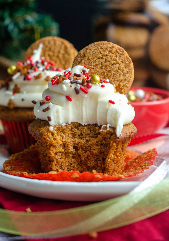 Gingerbread Cupcakes with Cream Cheese Frosting: Sweet and spicy cupcakes full of all of your favorite gingerbread flavors and topped with a tangy cream cheese frosting.
